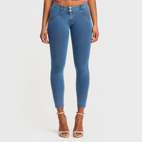 WR.UP® Denim Effect - Regular Waist Super Skinny - 7/8 Length - J4Y - Ljusblå Denim - Gula Sömmar