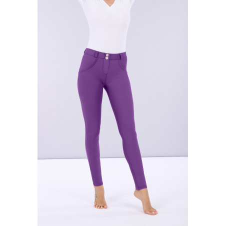 WR.UP® Regular Waist Skinny - Lustrous Shaping Pants - E53 - Violett